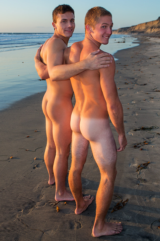 Noel-bottoms-for-Joshua-in-a-bareback-sex-scene-for-gay-porn-site-Sean-Cody-1